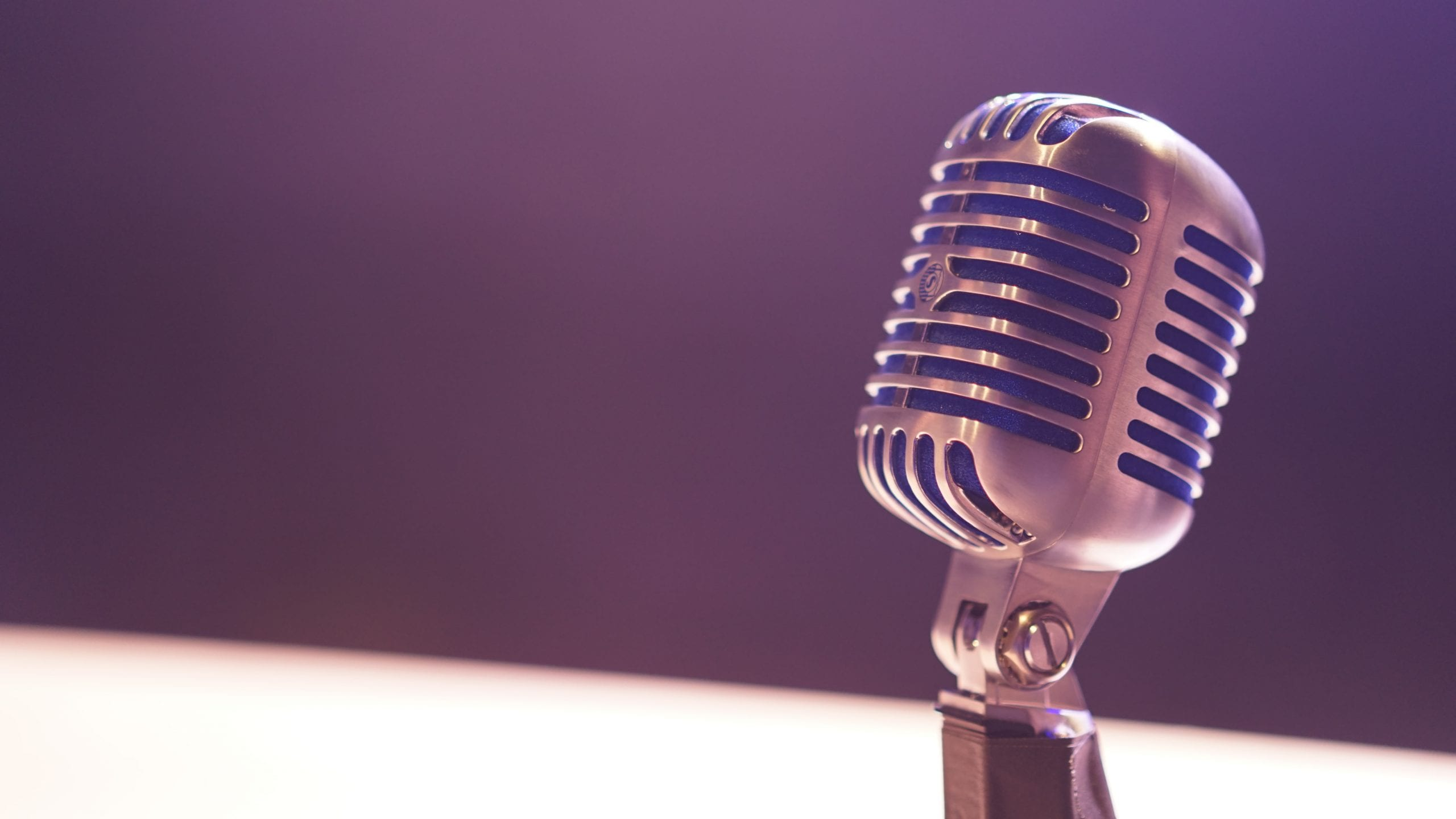 photo of a microphone